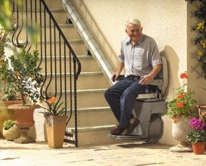 old-man-outdoor-stannah-stairlift